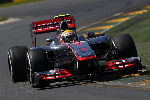 Lewis-Hamilton-car