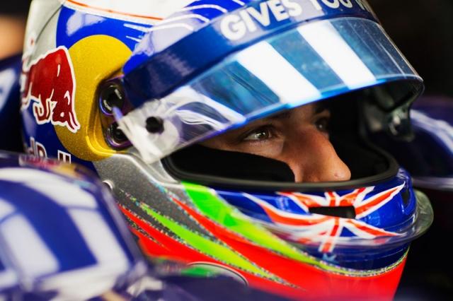 Daniel-Ricciardo-2