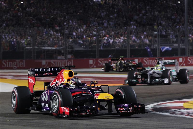 Sebastian-Vettel-Singapore-2013